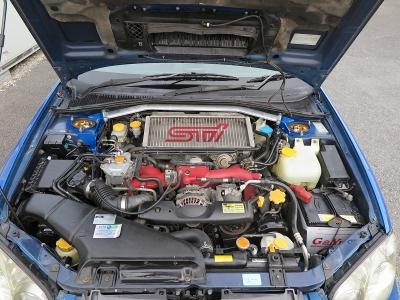 メーカーカタログ引用EJ20エンジン出力280ps(206kW)/6400rpmトルク42.0kg・m(412N・m)/4400rpm種類水平対向4気筒DOHC16バルブターボ