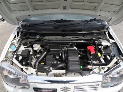 エンジン型式R06A出力64ps(47kW)/6000rpmトルク10.2kg・m(100N・m)/3000rpm 種類水冷直列3気筒DOHC12バルブICターボ 総排気量658cc