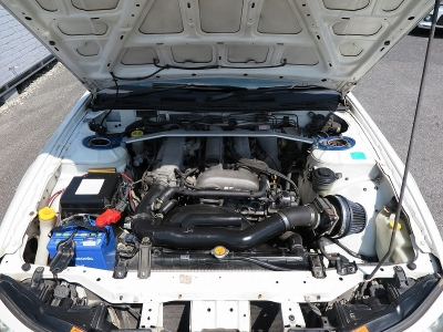 メーカーカタログ引用エンジン型式SR20DE出力160ps(118kW)/6400rpm トルク19.2kg・m(188.3N・m)/4800rpm 種類水冷直列4気筒DOHC16バルブ