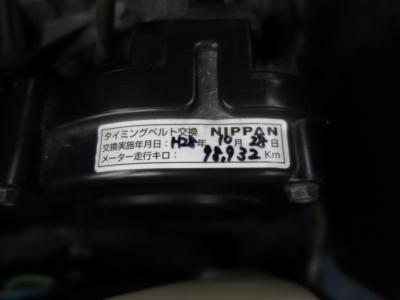 タイミングベルト98.932KM時に交換済みステッカーあり。