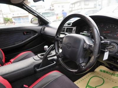ターボタイマー装着されています。このまま乗るもよしライトチューニングなど楽しむも良しのMR2GT3Sターボ車ぜひお早めにお問い合わせください。