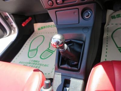 もちろん電動オープン作動OKなお車になります。解除後、ボタン1つで開閉可能なコペン、楽しんでください。