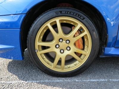デザインの良い純正17AWタイヤの山もまだまだございます。