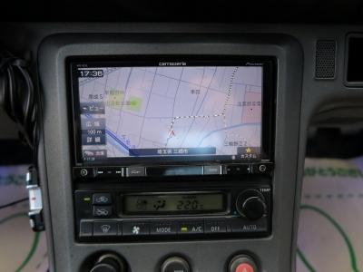 お出かけの際はAVIC−RZ55ナビ地デジTV装着済み、ETCも装着されています。外装フルエアロ、社外マフラーも装着されていますので、このまま乗るもよしドレン巣アップするも良しのお車です。」