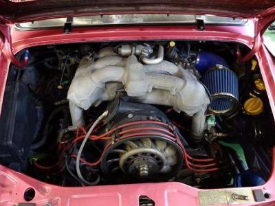 エンジンは964ノーマル3.6エンジン+993後期インマニ仕様となります。