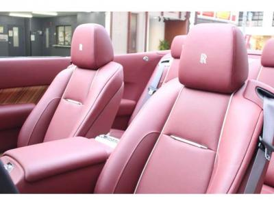 フロントベンチレーション/全席シートヒーター