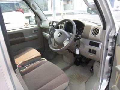 カーショップルートフォーではお客様のお求めやすい価格帯のお車を多数在庫しております。当店にてお客様の一台をお探しください。