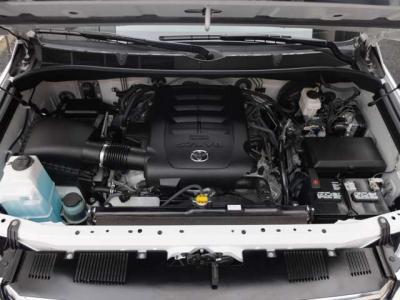 乗用車からトラックまで匠の技術でお客様のお車をサポート致します。社外パーツ、ナビゲーション、オーディオの取り付け、エアロパーツ取り付けや板金修理などアフター整備、車検も是非お任せ下さい。