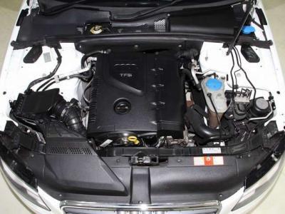 中古車で重要なエンジンルーム内はこんなに綺麗ですョ!! 高速道路メインでご使用でしたので機関は大変良好です!! 当社では入庫時に全車テスターを使いコンピューター診断とロードテストを行っております。