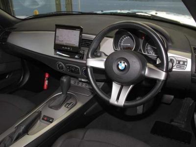 カロッツェリアHDDナビにフルセグTV、バックカメラにBluetooth、USBケーブルと必需品のドライブレコーダーが装備されております。 車内は全体的に使用感が少なく、ハンドルもシートも大変綺麗です!!