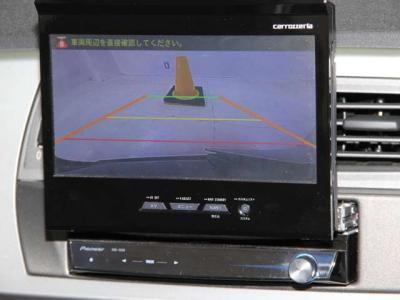 後方確認のバックカメラも装備されており、ドライブレコーダーもついております。