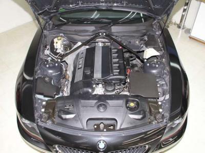 中古車で重要なエンジンルーム内はこんなに綺麗ですョ!!走行も少なく、機関も大変良好です!!