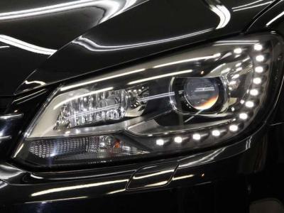 LEDポジションランプ式の蛇角センサー付きHIDキセノンヘッドライトとヘッドライトウォッシャー!! レンズもクリアーで綺麗ですョ!!