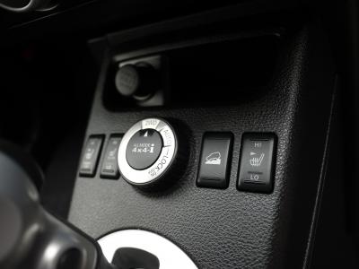 切替式の4WDなので燃費も安心♪
