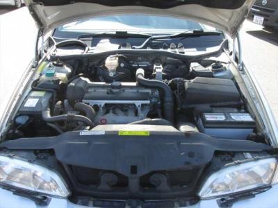 エンジン好調です!平成22年3月に40,000キロでタイミングベルト交換済です。エンジンルーム内も綺麗に清掃済みです。