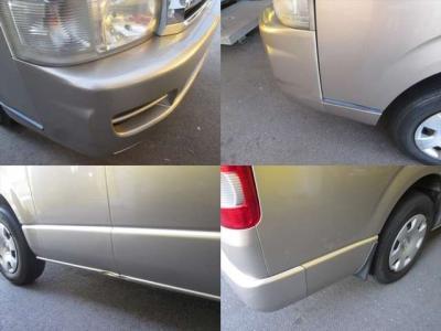 傷の各所です。少し目立つのは車両右側の凹み位だと思います。