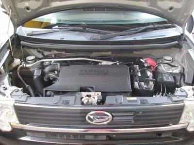 エンジン好調です!タイミングチェーンのお車ですので、交換は不要です。エンジンルーム内も綺麗に清掃済みです。