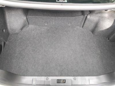 トランク内も大きな擦り切れなどはなくキレイな状態だと思っていただけると思います(^^)/