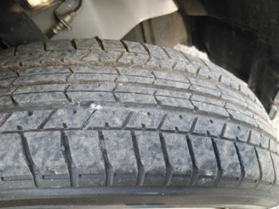タイヤの状態です、やや劣化気味です(>_<)