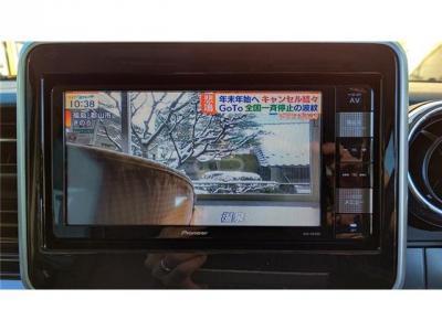 純正のナビゲーションでフルセグTV付です(^^)/