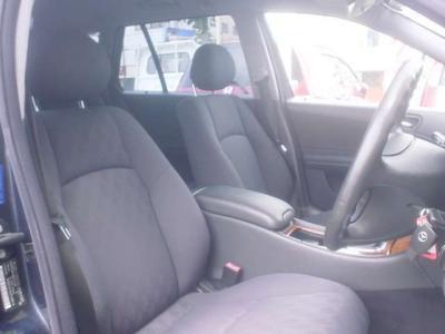 ■運転席、助手席は一部電動になってます。