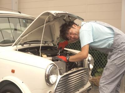 修理や車検もお任せください。整備士の私が活躍します。また、提携先の整備工場もあるのでご安心ください。